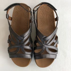 {Rockport} Comfy Sport Sandal in Pewter Metallic